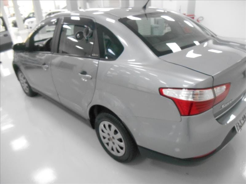 FIAT GRAND SIENA 1.4 MPI Attractive 8V 2013/2013 - Foto 6
