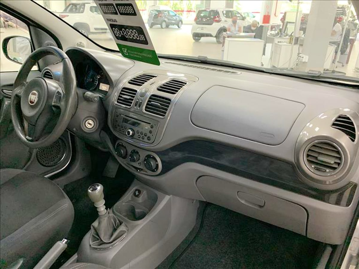 FIAT GRAND SIENA 1.6 MPI Essence 16V 2013/2014 - Foto 9