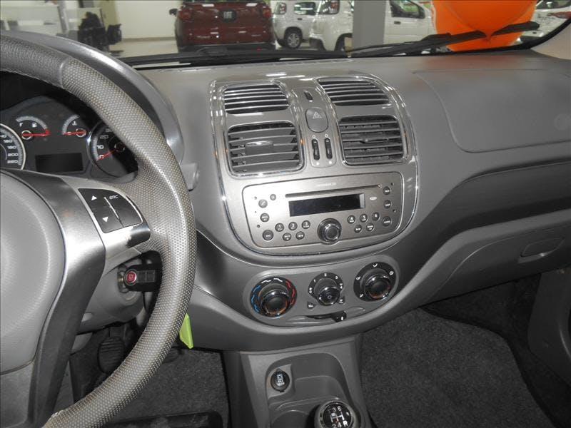 FIAT GRAND SIENA 1.6 MPI Essence 16V 2015/2016 - Thumb 16