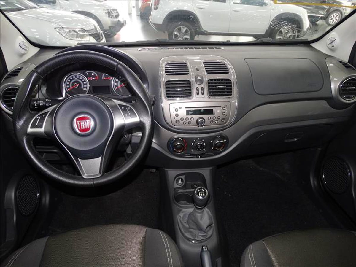 FIAT GRAND SIENA 1.6 MPI Essence 16V 2016/2017 - Foto 8