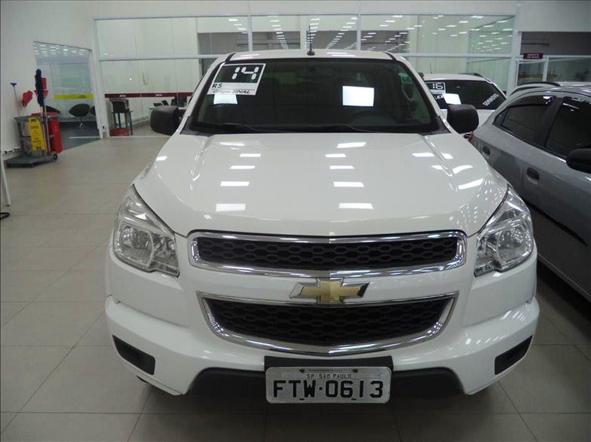 CHEVROLET S10 2.4 LS 4X2 CD 8V 2014/2014