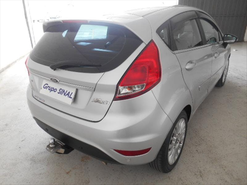 FORD FIESTA 1.6 Titanium Hatch 16V 2015/2015 - Thumb 6
