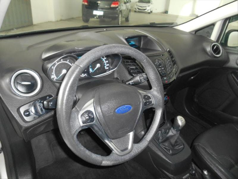 FORD FIESTA 1.6 Titanium Hatch 16V 2015/2015 - Thumb 8
