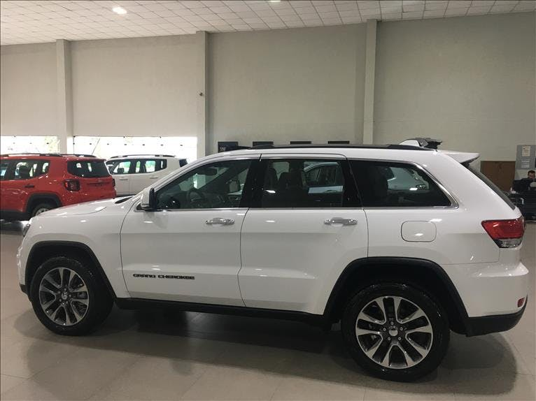 JEEP GRAND CHEROKEE 3.6 Limited 4X4 V6 24V 2018/2018 - Foto 3