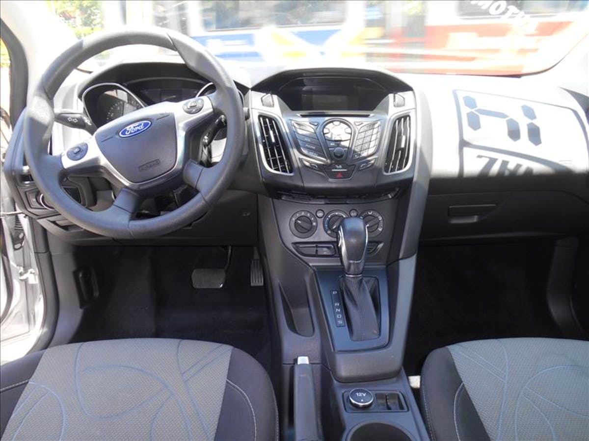 FORD FOCUS 2.0 SE Sedan 16V 2013/2014 - Foto 9