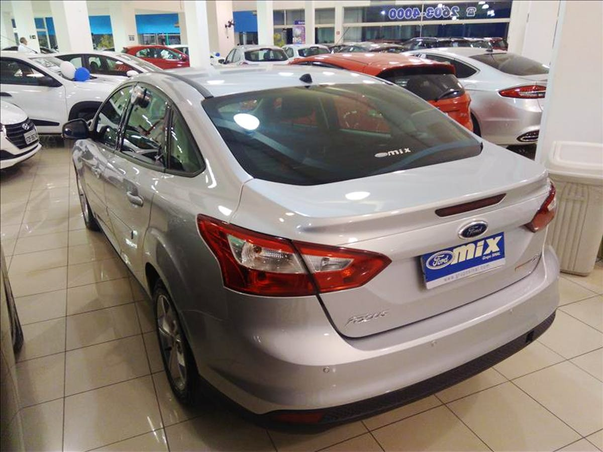 FORD FOCUS 2.0 SE Sedan 16V 2013/2014 - Foto 9